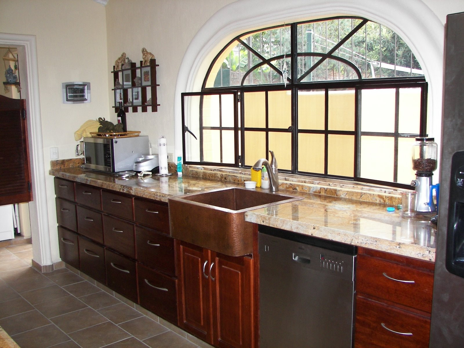 copper kitchen sinks colours of mexico. Black Bedroom Furniture Sets. Home Design Ideas